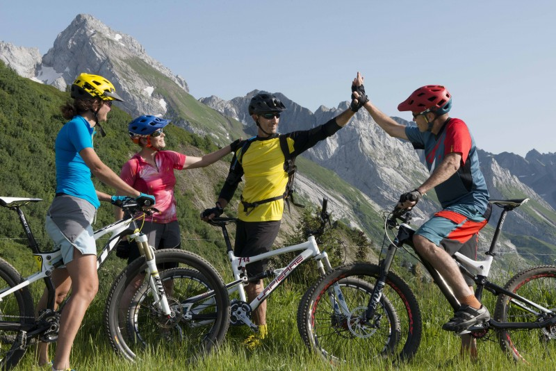 Mountain bike rides with Aravis VTT