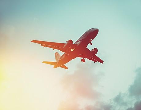 Venir en avion