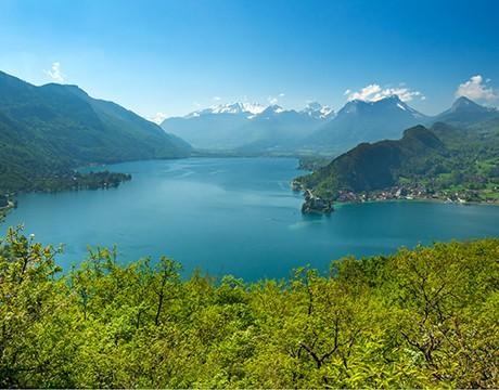 Entre Lacs et Montagnes