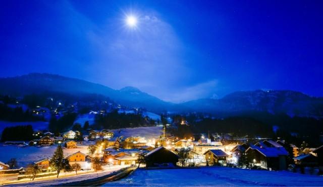 Village-nuit-Saint-Jean-de-Sixt