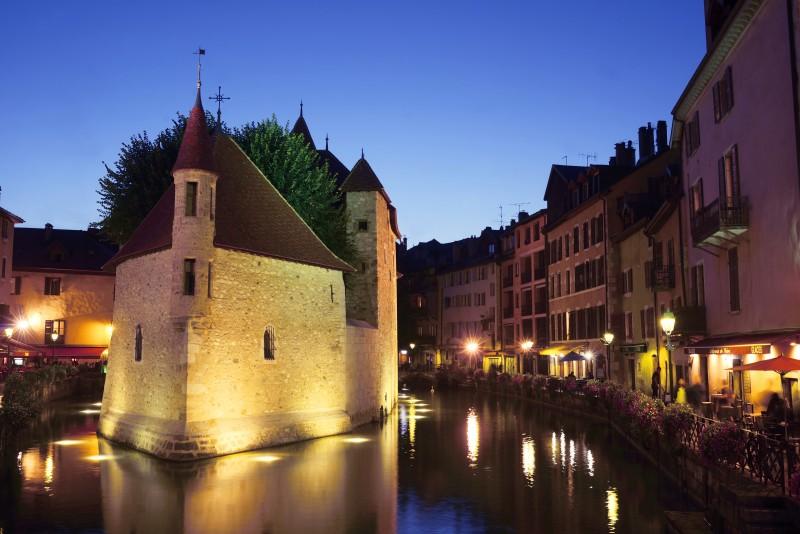 le-palais-de-l-ile-de-nuit-philippe-royer-8144-769
