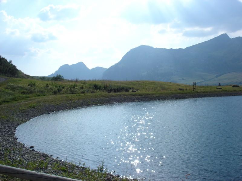 Le lac de la cour au Grand-Bornand