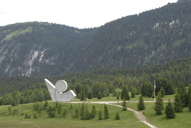 le-monument-national-a-la-resistance-d-emile-gilioli-sur-le-plateau-des-glieres-180